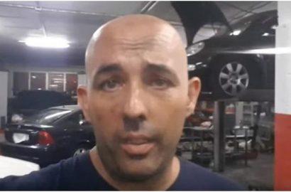 Un mecánico indignado pide, en un video, respeto para el trabajo del taller.